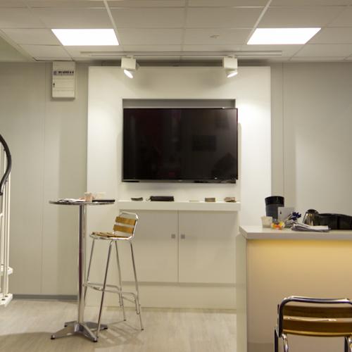 Luminaires professionnels luminaires tertiaires for Salon de l industrie nantes